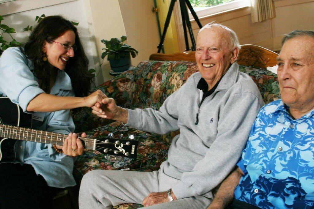 Irving E. Vega y la Navidad - Cuidador y Paciente de Alzheimer en Navidad: Puntos a considerar