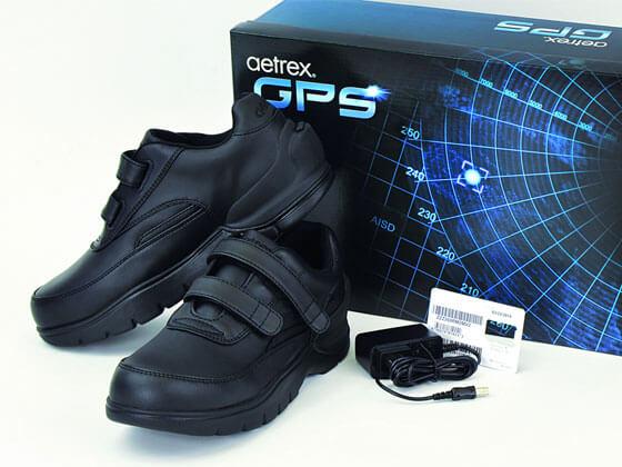 The-Aetrex-GPS-Smart-Shoes-1 - TICS