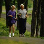 Ejercicio aeróbico. El ejercicio físico y mental puede estar entre las medidas más beneficiosas para mejorar la salud general cognitiva del cerebro