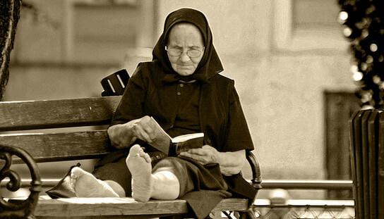 anciana-lectora