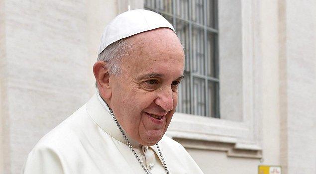Palabras recientes del papa Francisco sobre el maltrato a los ancianos despertaron la reflexión de Fiona Phillips. (Foto: EFE)