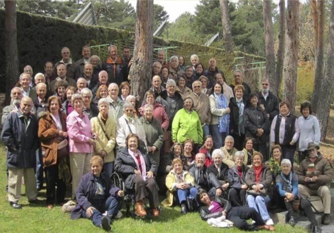 Imagen El Mundo: Gran parte de los jubilados en una foto de grupo. E. M.
