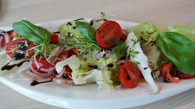 Dieta MIND: 10 alimentos para proteger tu cerebro - ensalada-recetas-709744_640