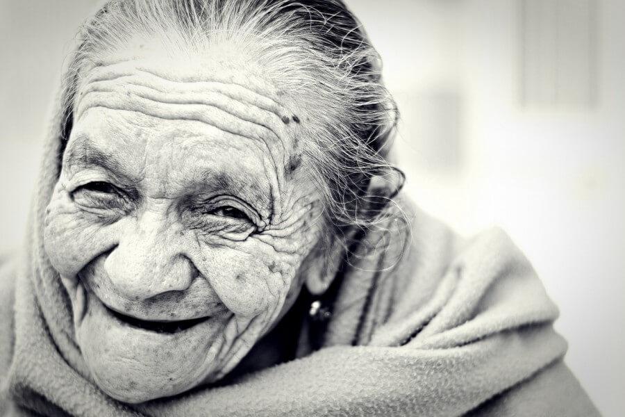Buscas vivir una vejez feliz? Entra! envejecimiento-feliz-1031000_1280