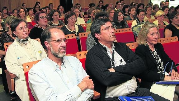 Un momento de la II Jornada de Alzheimer, dirigida a profesionales, ayer. / A. Tanarro