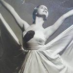 La emocionante reacción de una bailarina valenciana con Alzheimer al escuchar 'El lago de los cisnes'
