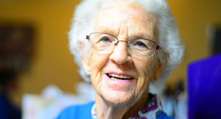 Elder_ Residencias y Alzheimer: Una opción a tener en cuenta